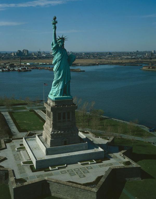 ETATS-UNIS - La Statue de la Liberté 868479bb